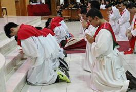 Ibadat Jumat Agung, Pukul 15.00 -