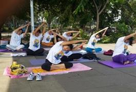 Yoga di Alam Terbuka